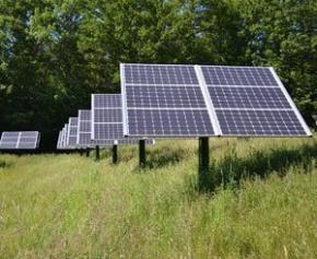 Un collectif pour la défense du solaire français dénonce l'acharnement du...