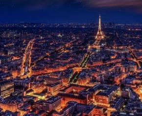Eclairage modernisé, plus d'espaces verts: Paris planche sur son urbanisme