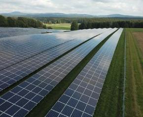 """La révision des aides aux Parcs solaires sera """"ciblée"""" et """"juste"""", promet le..."""