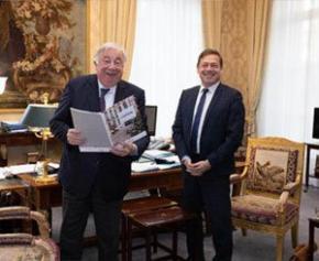 Gérard Larcher Président du Sénat a reçu Jean-Christophe Repon Président de la CAPEB
