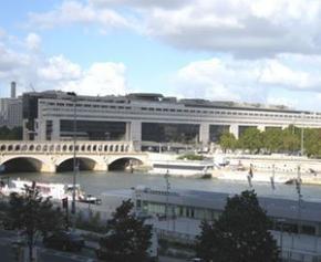 Le début 2021 s'annonce difficile pour l'économie française selon...