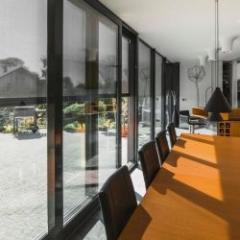 Stores pare-soleil pour les fenêtres verticales