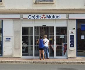 Enquête après l'octroi douteux de 30 millions d'euros de prêts...