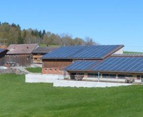 Signature d'une charte avec EDF pour les installations de panneaux solaires sur...