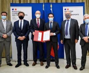 Signature du Pacte d'engagement des acteurs des infrastructures de...
