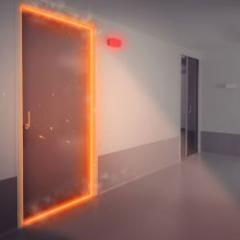 Sliding fire door with automatic closing (DAS)