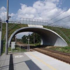 Metal bridges, road underpasses, silos and recovery tunnels