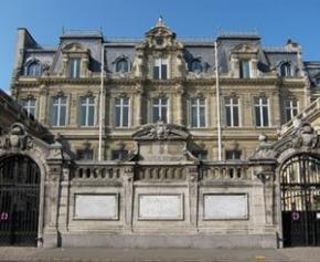 L'économie française résiste bien au 3ème confinement, selon la Banque de France
