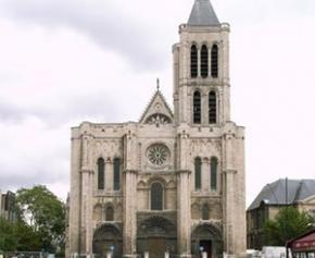 """The work of """"reassembling"""" the spire of the basilica of Saint-Denis will begin ..."""