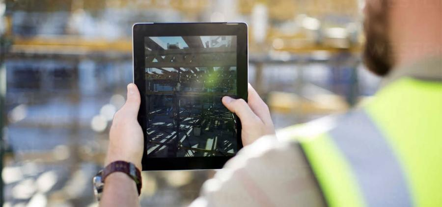 Construction professionals maintain morale despite the crisis and continue their digitalization