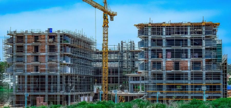 Les permis de construire en baisse de février à avril