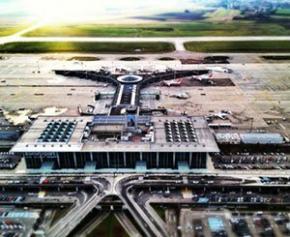 """Les professionnels redoutent un été de """"chaos"""" dans les aéroports"""