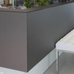 Lacquered glasses for exceptional wall coverings