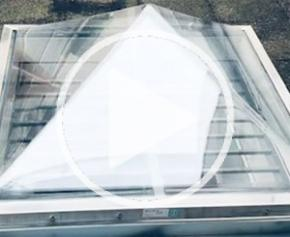Skylights on the offices of the Ligue de l'Enseignement in Paris