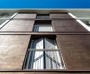 Des finitions atypiques sur les grandes façades de la résidence du Moulin...