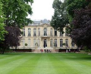 Syndicats et patronat seront reçus à Matignon les 1er et 2 septembre