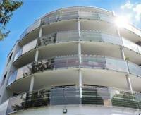 Armor solar power films solarise du verre de sécurité pour générer de l'énergie solaire grâce à des façades en verre