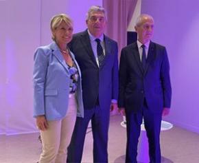 L'architecte Corinne Vezzoni reçoit les insignes d'Officier de l'Ordre national du Mérite