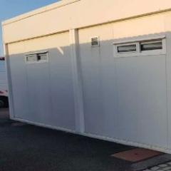 Bâtiment modulaire d'occasion pour des sanitaires