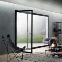 Première fenêtre au monde avec un ouvrant sans châssis et entièrement en verre
