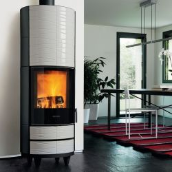 Wood-burning stove with ceramic cladding, offering different colors and a different style