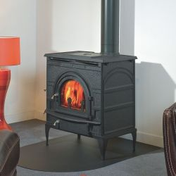 Best-selling wood-burning stove, available in three versions: L, XL and XXL